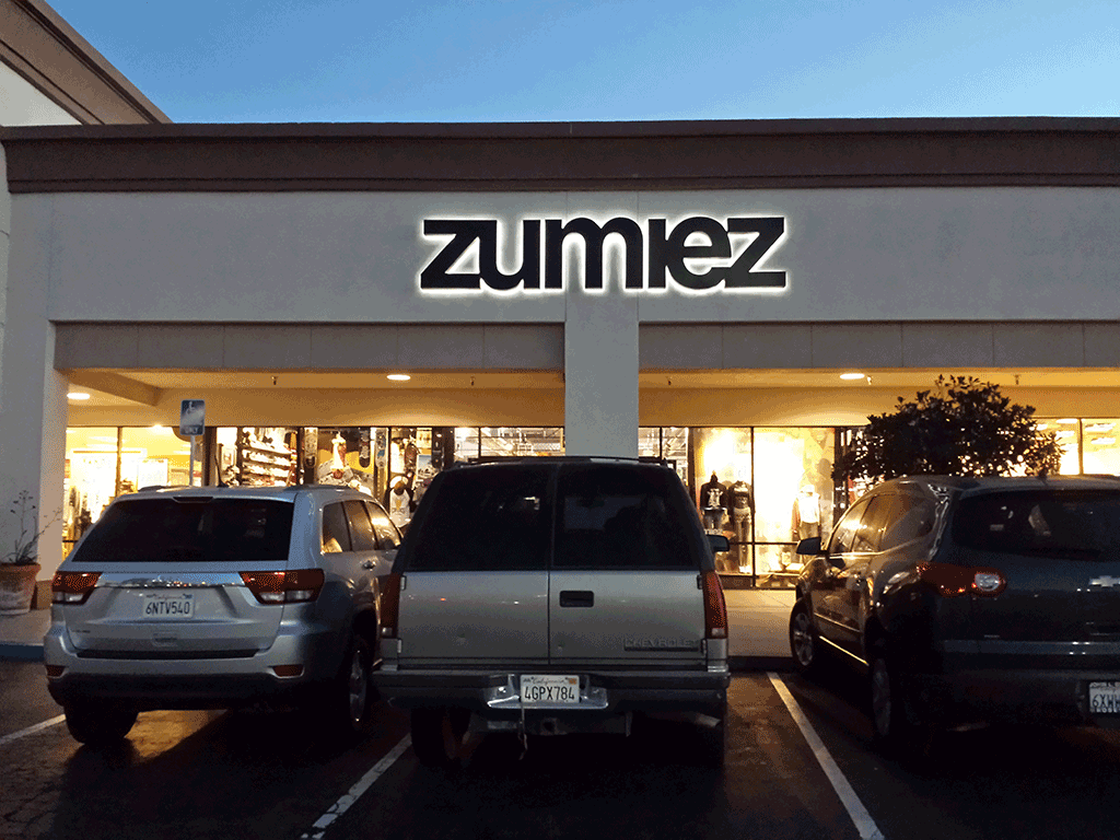 Zumiez - night