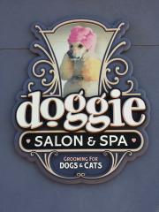 Doggie Salon & Spa